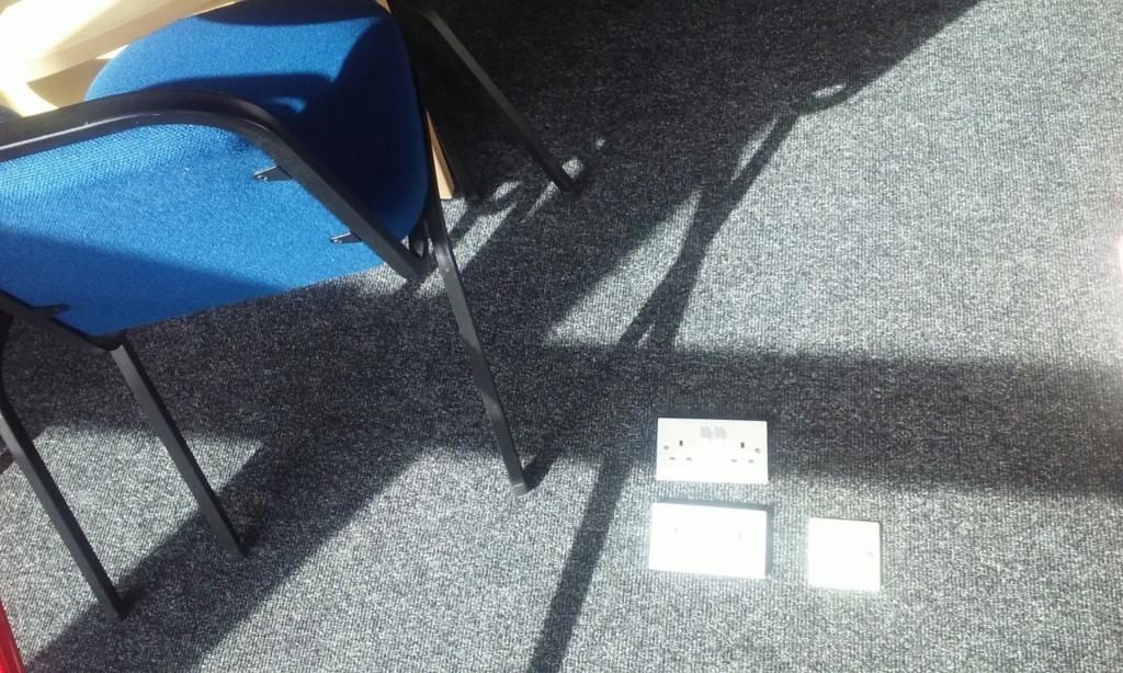 floor mounted plug socket